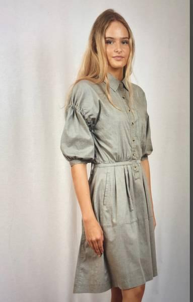 Bilde av IIS WOODLING TIRIL DRESS OLIVE